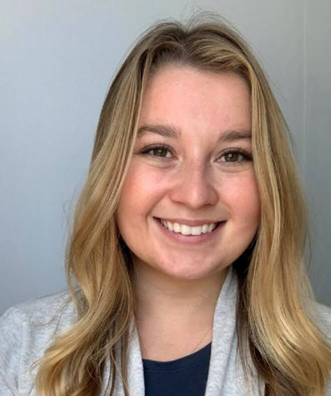nicole bouchard headshot-state services marriage & family therapy clinician seacoast new hampshire